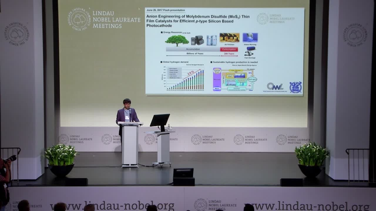 POSTER FLASHES #LINO17  (2017) - 30 young scientists present their research at the 67th Lindau Nobel Laureate Meeting