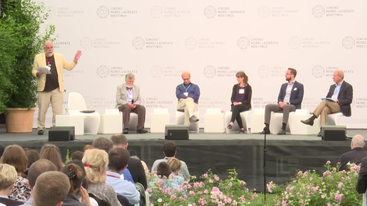 Closing Panel Discussion (2017) - Ethics in Science; Panelists Martin Chalfie, Jeffrey Kovac, Ahmet Üzümcü (Organisation for the Prohibition of Chemical Weapons), Michael Lerch (University of Groningen), Karen Stroobants (University of Cambridge); Moderator: Geoffrey Carr