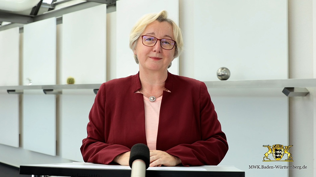 Greetings from Theresia Bauer, Minister of Science, Research and Arts Baden-Württemberg (2020) - Theresia Bauer, Minister of Science, Research and Arts Baden-Württemberg, welcomes the participants of the Online Science Days 2020.