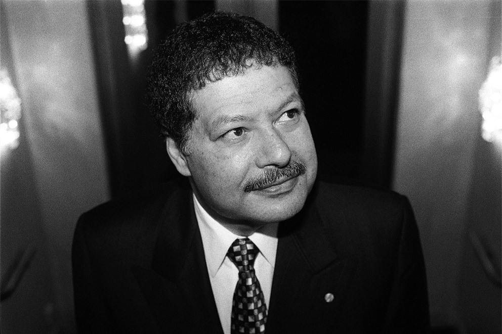 "Ahmed Zewail on how to conduct femtosecond chemistry in his 2002 lecture ""Chemistry and Biology in a New Light"": audio snippet 00:10:21-00:16:01"