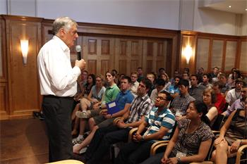 Dan Shechtman - Laureate Dan Shechtman (Chemistry, 2011) in discussion with young researchers