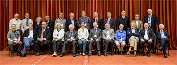 Nobel Laureates of the 64th Meeting - Group photo with Countess Bettina and the assembled Laureates of the 64th Meeting