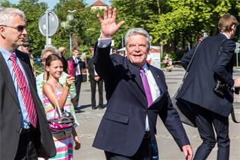 65th Lindau Nobel Laureate Meeting - Joachim Gauck saying goodbye visitors and guests of the 65th Lindau Nobel Laureate Meeting.