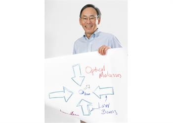 Steven Chu - Steven Chu with his 'Sketch of Science'.