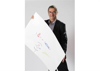 Serge Haroche - Serge Haroche with his 'Sketch of Science'.