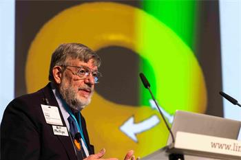 William Phillips  - William Phillips holding his lecture on 'Superfluid Atomic Gas in a Ring: A New Kind of Closed Circuit' at the 66th Lindau Nobel Laureate Meetings.