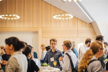 Science Breakfast McKinsey - Young scientists taking part in the McKinsey science breakfast