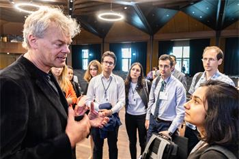 Edvard Moser - Edvard Moser talking to young scientists at the 68th Lindau Nobel Laureate Meeting