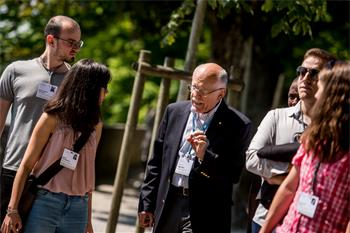 Louis Ignarro  - Louis Ignarro talking to young scientists during his science walk at the 68th Lindau Nobel Laureate Meeting