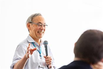 Steven Chu - Steven Chu exchanging with young scientists at the 68th Lindau Nobel Laureate Meeting
